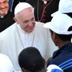 I fedeli chiedono al Papa chiarezza contro gli attacchi del male